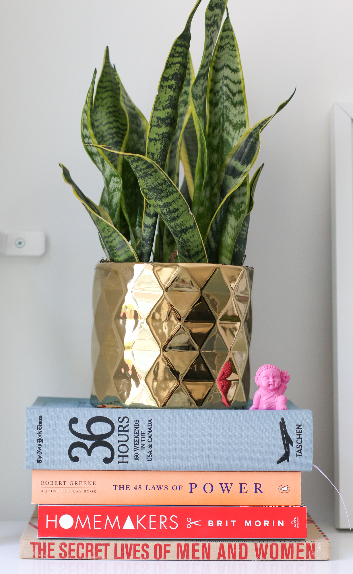 5 Tips for Styling Bookshelves.