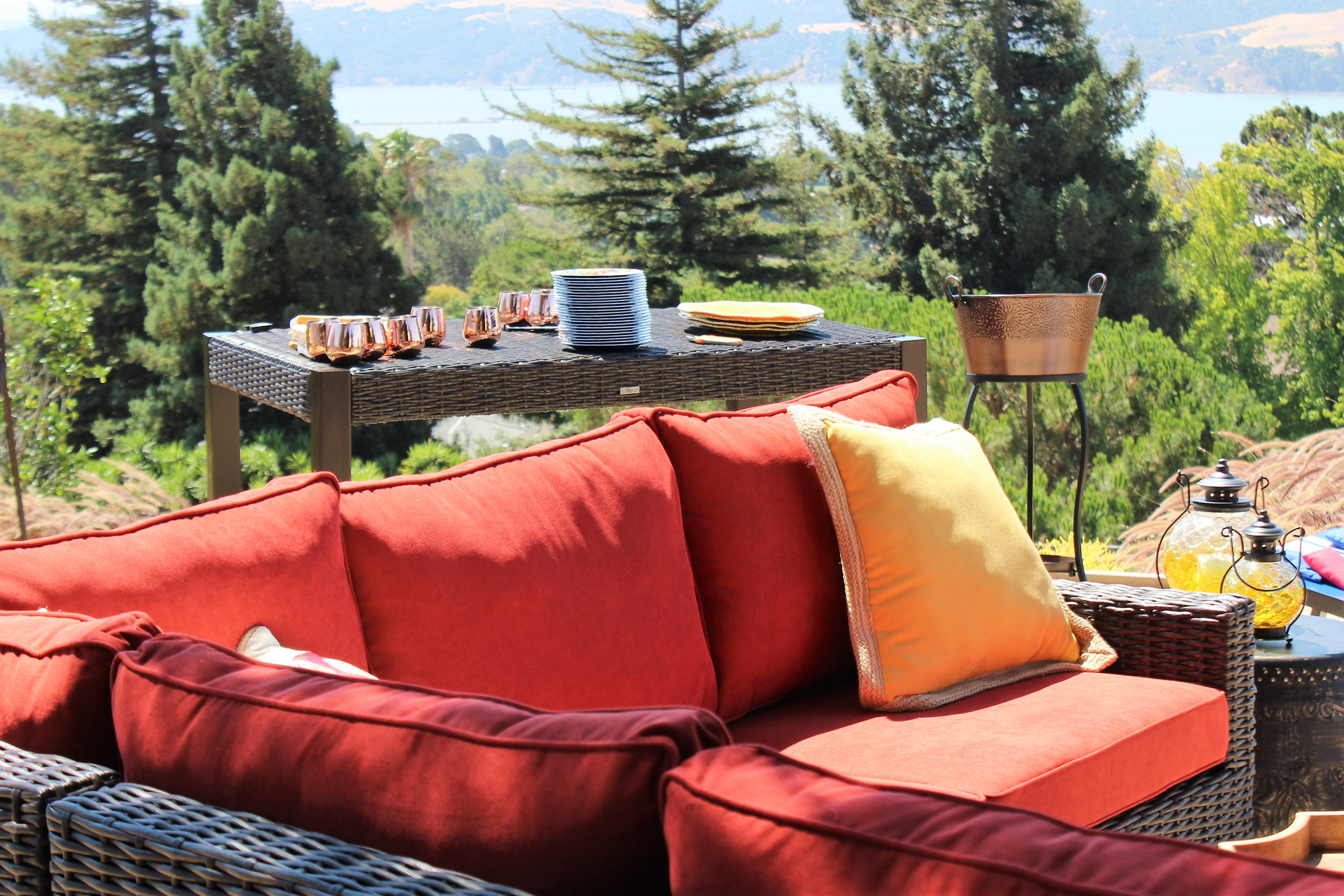 4 Tips for Outdoor Entertaining Like a Pro.